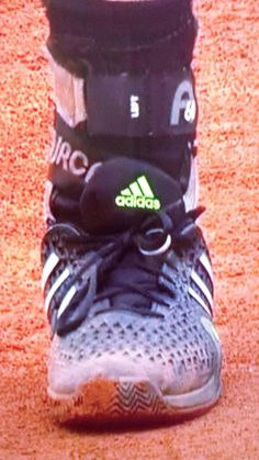 His wedding ring on the shoe Andy Murray, Braveheart, Friends Family, Wedding Ring, Tennis, Champion, Passion, Sneakers, Shoes