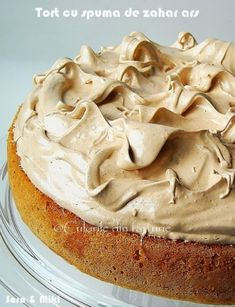 » Tort cu spuma de zahar arsCulorile din Farfurie No Cook Desserts, Sweets Recipes, Cake Recipes, Cooking Recipes, Romanian Desserts, Romanian Food, Mousse, French Pastries, Pastry Cake