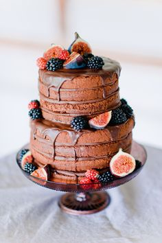 Oh my gosh - I love this naked cake! Boho Wedding Photography by Nadia Meli