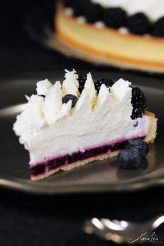 Kokos-Beeren Tarte // Coconut-Blackberry Tarte