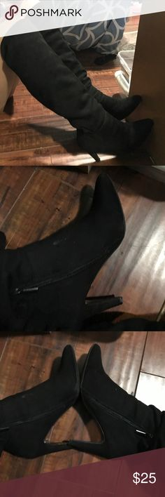 Thigh high suede boots Suede thigh high boots. They have a pointy end. The suede is very easy to put over jeans. Shoes Over the Knee Boots