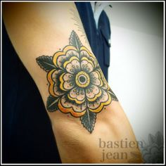 Another nice flower tattoo. Might wanna have something like this on my foot/feet?