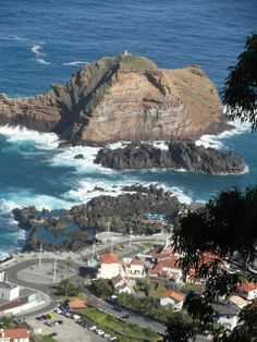 Porto Moniz, Madeira, my home town 😍 Funchal, Spain And Portugal, Lisbon Portugal, Beautiful Islands, Beautiful Places, Travel Around The World, Around The Worlds, Tahiti, Portugal Travel Guide