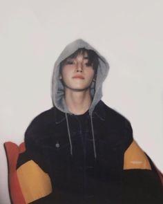 """taeyong's polaroid for look magazine 😍 so boyfriend! Lee Taeyong, Nct 127, Capitol Records, Jaehyun, Nct Dream Renjun, Rapper, Young K, Look Magazine, Porno"