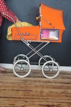 doll pram | but a window would be lovely in a real baby pram too