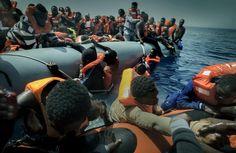 Un barco en un mar de desigualdad