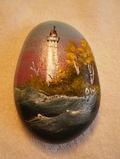 Looking for easy rock painting ideas? Perhaps you're simply beginning, you're daunted by even more intricate styles, try this, rock painting ideas, very inspiration for DIY or Decor - Rock Painting Ideas Pebble Painting, Pebble Art, Stone Painting, Stone Crafts, Rock Crafts, Pebble Stone, Stone Art, Lighthouse Painting, Hand Painted Rocks