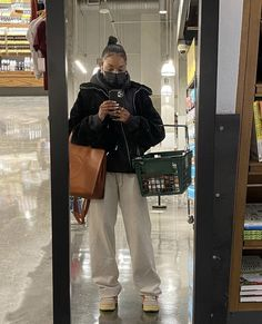 Girl Outfits, Casual Outfits, Cute Outfits, Fashion Outfits, Pretty Girl Swag, Winter Fits, Black Girl Aesthetic, Mode Streetwear, Outfit Goals