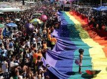 Marcha gay contra la homofobia en Brasil — ENEWSPAPER