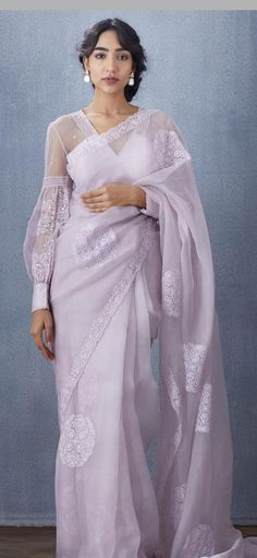 Stylish Blouse Design, Fancy Blouse Designs, Blouse Neck Designs, Designs For Dresses, Indian Fashion Dresses, Dress Indian Style, Indian Designer Outfits, Organza Saree, Organza Dress