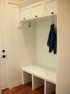 Built-in entryway bench, overhead storage @ MyHomeLookBookMyHomeLookBook