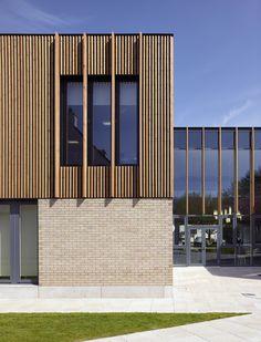 ideas exterior architecture facade timber cladding Source by Timber Architecture, Timber Buildings, Architecture Design, Wooden Facade, Brick Facade, Timber Cladding, Exterior Cladding, Cladding Ideas, Stone Cladding