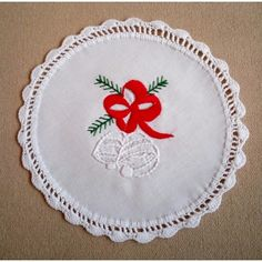 Hand-embroidered Christmas doily with hand-fringed borders Embroidered Christmas Ornaments, Christmas Embroidery Patterns, Hand Embroidery Patterns, Christmas Patterns, Vintage Pillow Cases, Vintage Pillows, Feather Stitch, Hungarian Embroidery, Handmade Gifts
