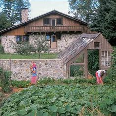 20 Inspiring Homestead Farm Garden Layout and Design Ideas #gardeninglayout #preppergardenideas