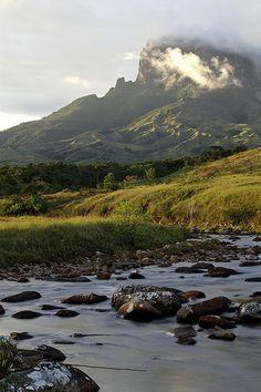Kukenan tepui at sunset with Rio Tok in foreground, Gran Sabana, Canaima National Park, Bolivar, Venezuela