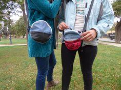 Bolso redondo denim pantalon,  Reciclaje a base de jeans, mesclilla,  denim y otros tipos de retazos. #reciclado  #refashion #denimazul #jeans #mezclilla  #mujer #bolsoxl #totebag #mochila  #estuches #bananos #morrales #monederos  #femenino #medioambiente #bonito #barato  #hechoamano Sling Backpack, Base, Backpacks, Tote Bag, Photo And Video, Jeans, Instagram, Fashion, Environment