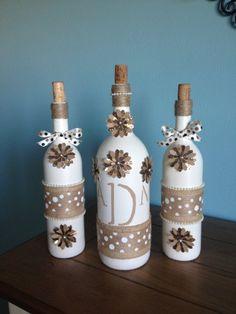 Monogrammed Embellised Wine Bottle Decor Wedding Gift Home Recycled Glass Bottles, Glass Bottle Crafts, Diy Bottle, Bottle Art, Decorative Glass Bottles, Bottle Lamps, Diy Wine Glasses, Decorated Wine Glasses, Decorated Jars
