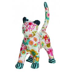 A brush, some glue, a sheet of paper and that's all there is to creating a beautiful decoupage cat. Suitable from 5 years