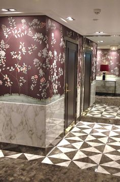 grand hotel toalett - Google Search Guest Toilet, Grand Hotel, Valance Curtains, Tile Floor, Marble, Furniture, Walls, Google Search, Home Decor