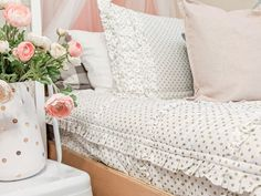 Home Interior Salas Our New Zip-Up Bedding from Beddy's.Home Interior Salas Our New Zip-Up Bedding from Beddy's Bed For Girls Room, Big Girl Bedrooms, Girls Bedroom, Bedroom Decor, Bedroom Ideas, Shared Bedrooms, Floral Bedroom, Girl Rooms, White Bedroom