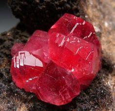 Rhodochrosite - Uchuchacua Mine, Peru
