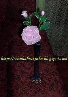 rosa em meia de seda