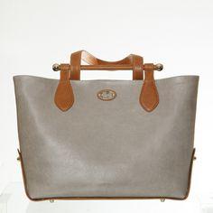 Tote bag based on the traditional music bag Leather Handbags, Madewell, Traditional, Tote Bag, Music, Musica, Leather Totes, Musik, Carry Bag