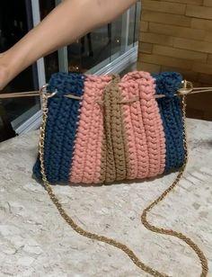 Free Crochet Bag, C2c Crochet, Crochet Videos, Crochet Blanket Patterns, Crochet Lace, Crochet Stitches, Crochet Handbags, Crochet Purses, Crochet Bag Tutorials