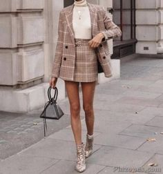 30 Incredible Outfits For the Fall Season - PinZones Stylish Winter Outfits, Dressy Outfits, Fall Winter Outfits, Cute Outfits, College Outfits, Office Outfits, Work Outfits, Lazy Fashion, Fashion Clothes