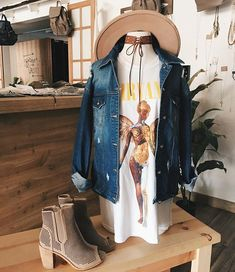 band tees and oversized denim jackets ♡ Summer I'm ready for you this year. Oversized Denim Jacket, Denim Jackets, Music Festival Outfits, Romper With Skirt, Weekend Wear, Dress To Impress, Spring Outfits, Autumn Fashion, Cute Outfits