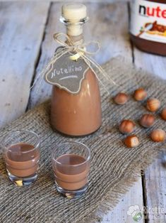 Nutellino Source by Dark Chocolate Almond Bark, Salted Chocolate Chip Cookies, Homemade Frappuccino, Homemade Liquor, Easy Smoothie Recipes, Smoothie Drinks, Nutella, Peanut Brittle Recipe, Coconut Milk Smoothie