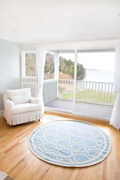 Simplicity in decorating - a lovely coastal home in Maine.