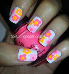 Easy Flower Nail Art - Polish and Pearls