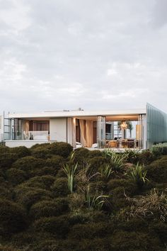 World Architecture Festival 2014 day two winners announced - Dune House by Fearon Hay Architects. World Architecture Festival, Architecture Résidentielle, New Zealand Architecture, Hay Design, Villa, Cabana, Interior And Exterior, Interior Modern, My House