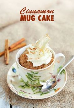 keto Cinnamon Mug Cake Keto mug cakes are perfect when you need a delicious dessert in a flash. There's nothing easier or more comforting than this easy low carb cinnamon… Köstliche Desserts, Low Carb Desserts, Low Carb Recipes, Delicious Desserts, Dessert Recipes, Diabetic Recipes, Diabetic Desserts, Paleo Dessert, Healthy Sweets