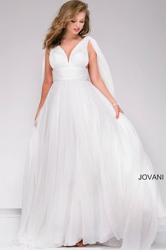 Beautiful ivory chiffon floor length  prom dress with sleeveless v-neckline bodice and open back features rushed belt and two chiffon  panels off the shoulders., available also in burgundy and pink.