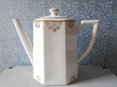 Art Deco Limoges porcelain tea pot hand painted par Birdycoconut