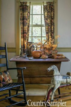 country homes building supply Primitive Living Room, Primitive Homes, Primitive Fall, Primitive Furniture, Primitive Antiques, Country Primitive, Primitive Decor, Primitive Scarecrows, Primitive Christmas
