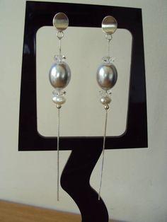e591903bd Brinco em prata com pérola shel , pérola de água doce e cristal facetado.  R$ 96,00