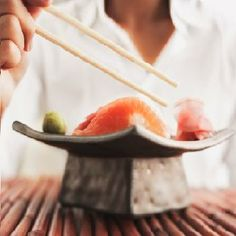 Mr Jiro Ono, widely considered the world's greatest sushi chef, has some dire news for aficionados of raw fish: The delicacy's best days may be behind us. Japanese Diet, Japanese Culture, Health Advice, Health And Wellness, Sukiyabashi Jiro, Jiro Dreams Of Sushi, Sushi Chef, Healthy Man