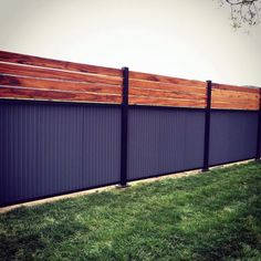 Top 50 Best Privacy Fence Ideas - Shielded Backyard Designs Privacy Fence Decorations, Cheap Privacy Fence, Privacy Fence Designs, Backyard Privacy, Diy Fence, Fence Landscaping, Backyard Fences, Privacy Screens, Fence Garden