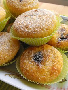 Revenues house there Other Recipes, Sweet Recipes, Cake Recipes, Portuguese Desserts, Portuguese Recipes, Mini Desserts, Delicious Desserts, Mini Cakes, Cupcake Cakes