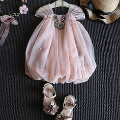New Ideas for baby outfits newborn summer Baby Summer Dresses, Dresses Kids Girl, Kids Outfits, Summer Baby, Fall Baby, Kids Frocks Design, Baby Frocks Designs, Kids Dress Wear, Kids Gown