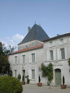 Buy a chateau! #ifwewererich #newmoney