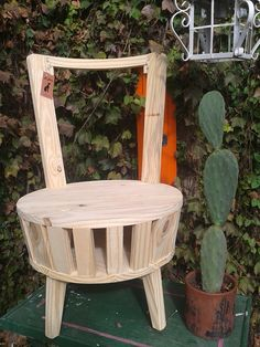Wooden Pallet Projects, Wooden Pallet Furniture, Funky Furniture, Recycled Furniture, Kids Furniture, Furniture Making, Wooden Pallets, Garden Wall Designs, Shabby Chic Chairs