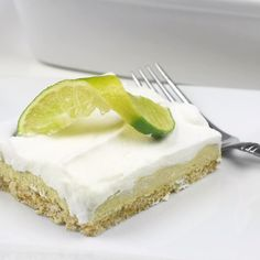 Everyone is talking about keto! Going keto is one of the best life experiences you can ever have, but coming up with new and easy to . Sugar Free Key Lime Pie, Graham, Key Lime Pie Bars, Sugar Free Peanut Butter, Peanut Butter Cheesecake, Tasty, Yummy Food, Sugar Free Desserts, Healthy Desserts
