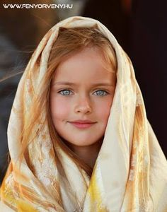 Kristina Pimenova a devenit celebră datorită trăsăturilor ei Beautiful Little Girls, Beautiful Children, Beautiful Babies, Beautiful People, Pretty Eyes, Cool Eyes, Kristina Pímenova, Precious Children, Stunning Eyes