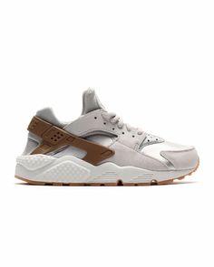 NIKE Air Huarache Run Prm Suede (833145-001) gamma grey/phantom Sneaker im Online Streetwear Shop inflammable.com jetzt neu bestellen