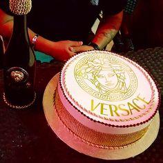 . Birthday Cakes For Women, Teen Birthday, Happy Birthday Me, 36th Birthday, Birthday Bash, Birthday Ideas, Louis Vuitton Cake, Gourmet Cakes, Cake Day