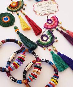 Mutlu pazarlar💕💕😊 . . #elemeği #oya #pazar #handmade #style #trend #butiktakı #bohem #etnikkolye #bohostyle #colors #aering #küpe #bileklik…